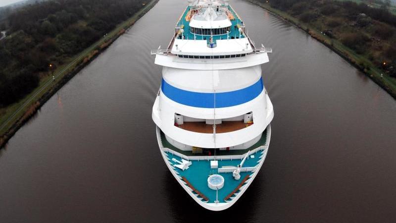 """Das Passagierschiff """"AIDAcara"""" der Rostocker Reederei Aida. Foto: picture alliance / dpa"""