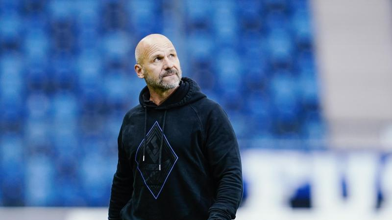 Mannheims Trainer Bernhard Trares. Foto: Uwe Anspach/dpa/Archivbild