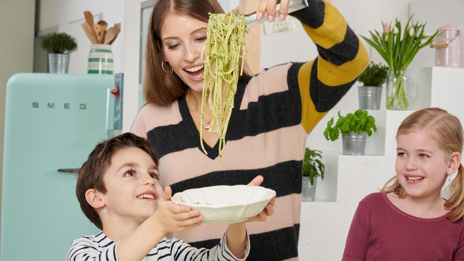 Cathy Hummels hat ein Kochbuch geschrieben - mit Rezepten für Kinder ganz ohne Industriezucker.