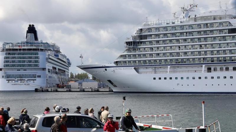 """Am 02.07.2020 wird der neue Kreuzfahrtterminal """"Warnemünde Cruise Center 8"""" vorgestellt. Foto: Bernd Wüstneck/dpa"""