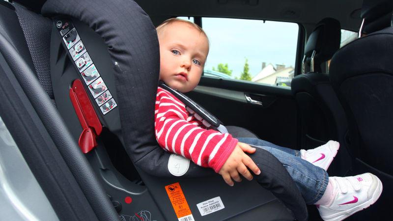 ADAC und Stiftung Warentest haben Kindersitze gecheckt.