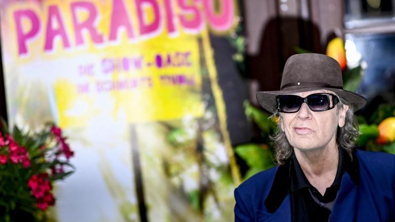 """Udo Lindenberg war auch bei der Premiere der Show """"Paradiso"""". Foto: Axel Heimken/dpa"""
