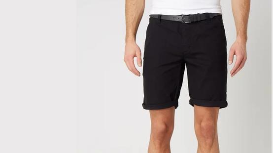 Shorts von Review.