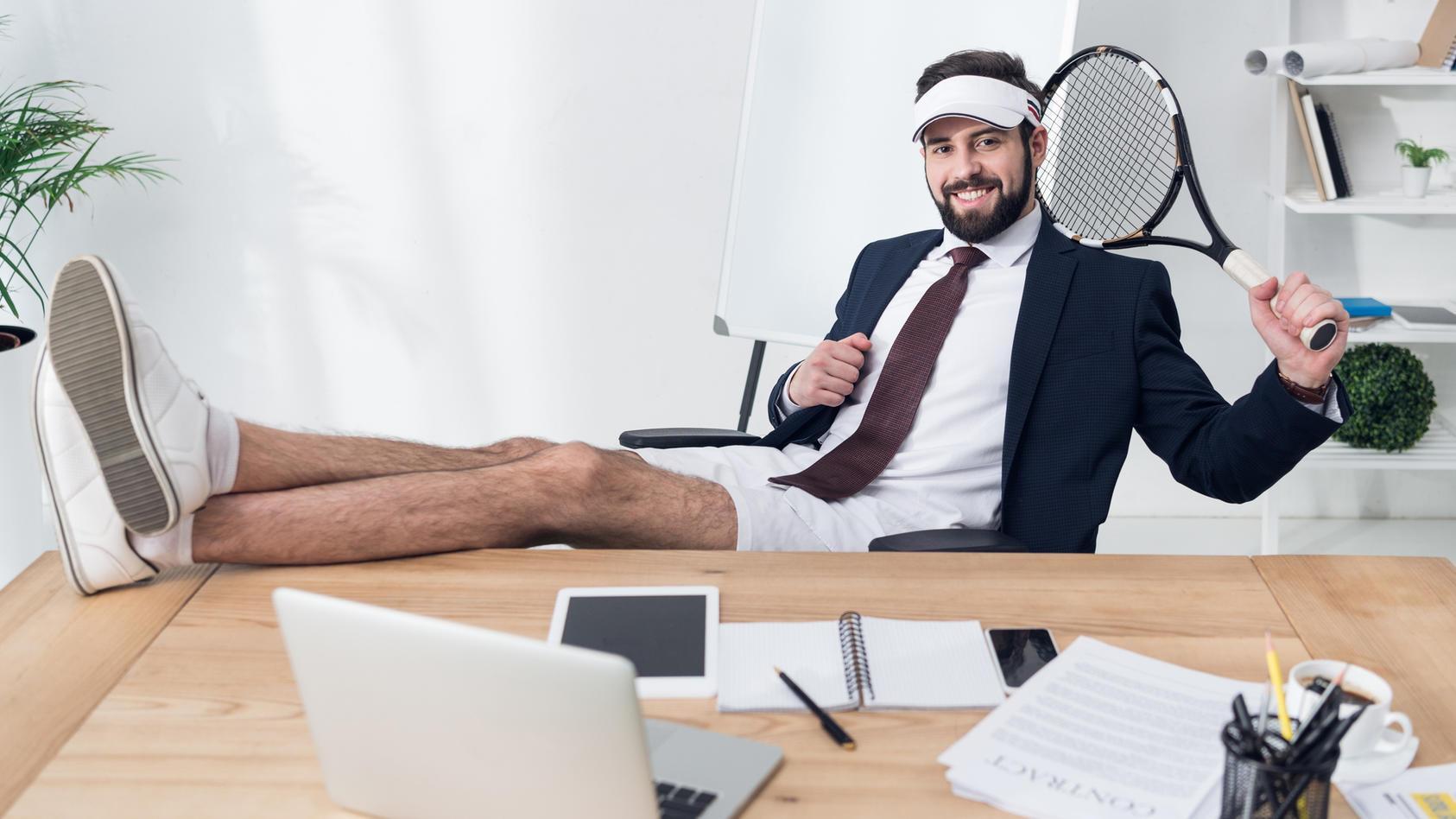 Freizeitlook im Büro: Was ist erlaubt, was nicht?