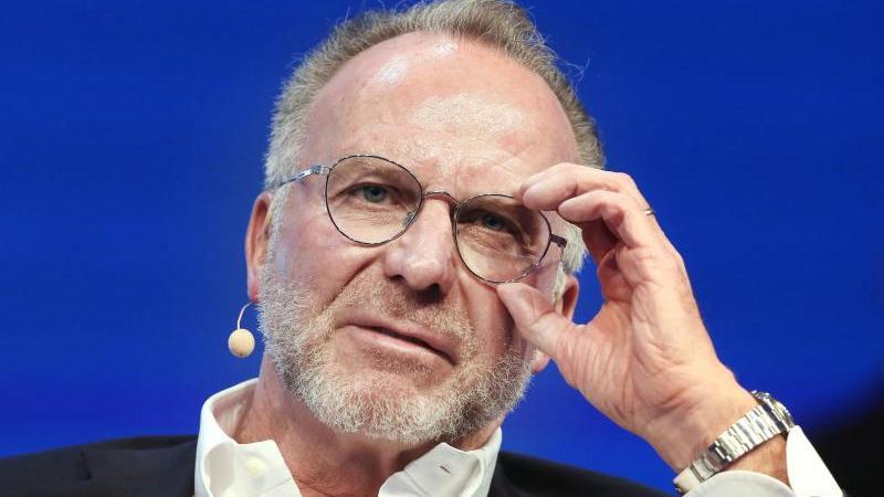 Der Vorstandsvorsitzende vom FC Bayern München, Karl-Heinz Rummenigge. Foto: Roland Weihrauch/dpa/Archivbild