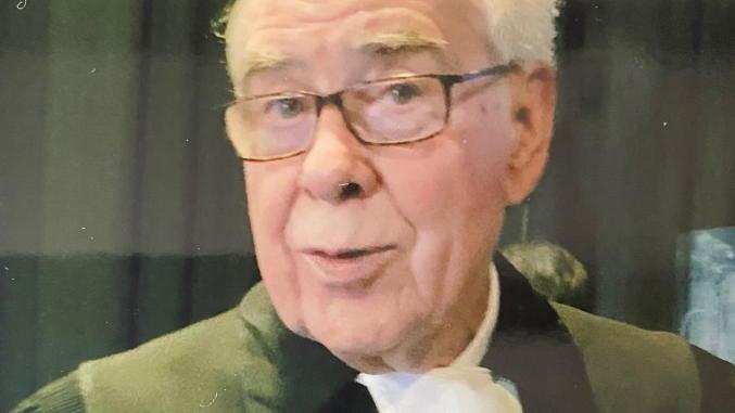 Einsatzkräfte fanden Pastor Reinhold Zuber getötet in seiner Wohnung in Berlin.