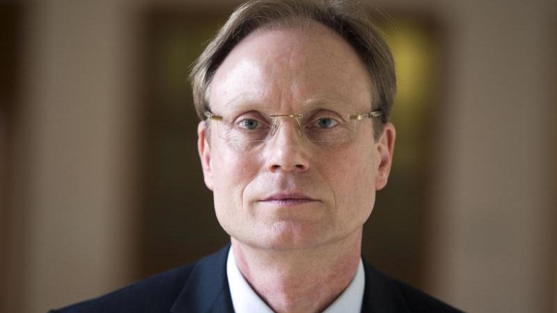 Der Abgeordnete im Landtag von Mecklenburg-Vorpommern, Jochen Schulte (SPD). Foto: Jens Büttner/dpa/Archivbild