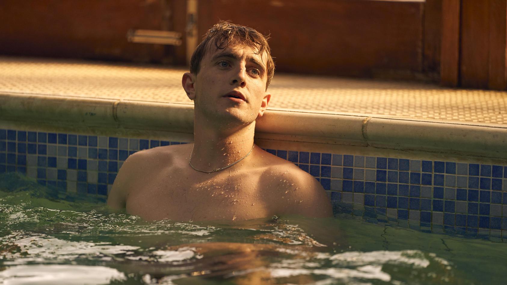 Auch der Schauspieler und Sex-Symbol Paul Mescal trägt eine modische Halskette.