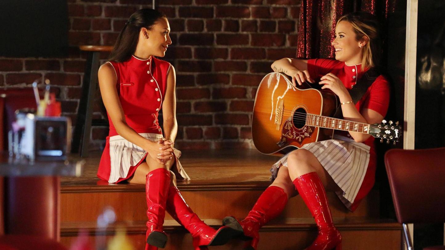"""Naya Rivera und Demi Lovato am Set von """"Glee"""""""