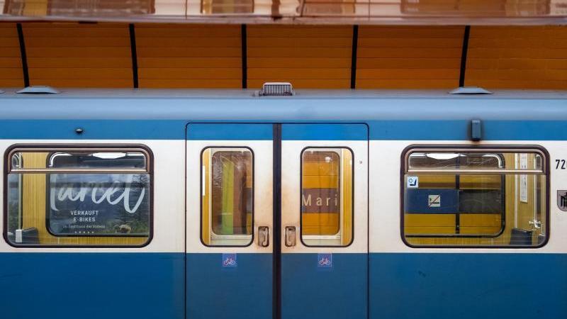 Eine U-Bahn steht in einem Bahnhof. Foto: Sven Hoppe/dpa/Archivbild