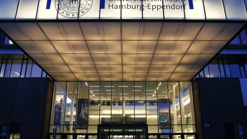 Das Universitätsklinikum Eppendorf (UKE) in Hamburg. Foto: Axel Heimken/dpa/Archivbild