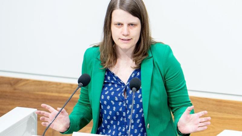 Julia Willie Hamburg (Bündnis 90/Die Grünen) spricht im Landtag. Foto: Hauke-Christian Dittrich/dpa/Archivbild