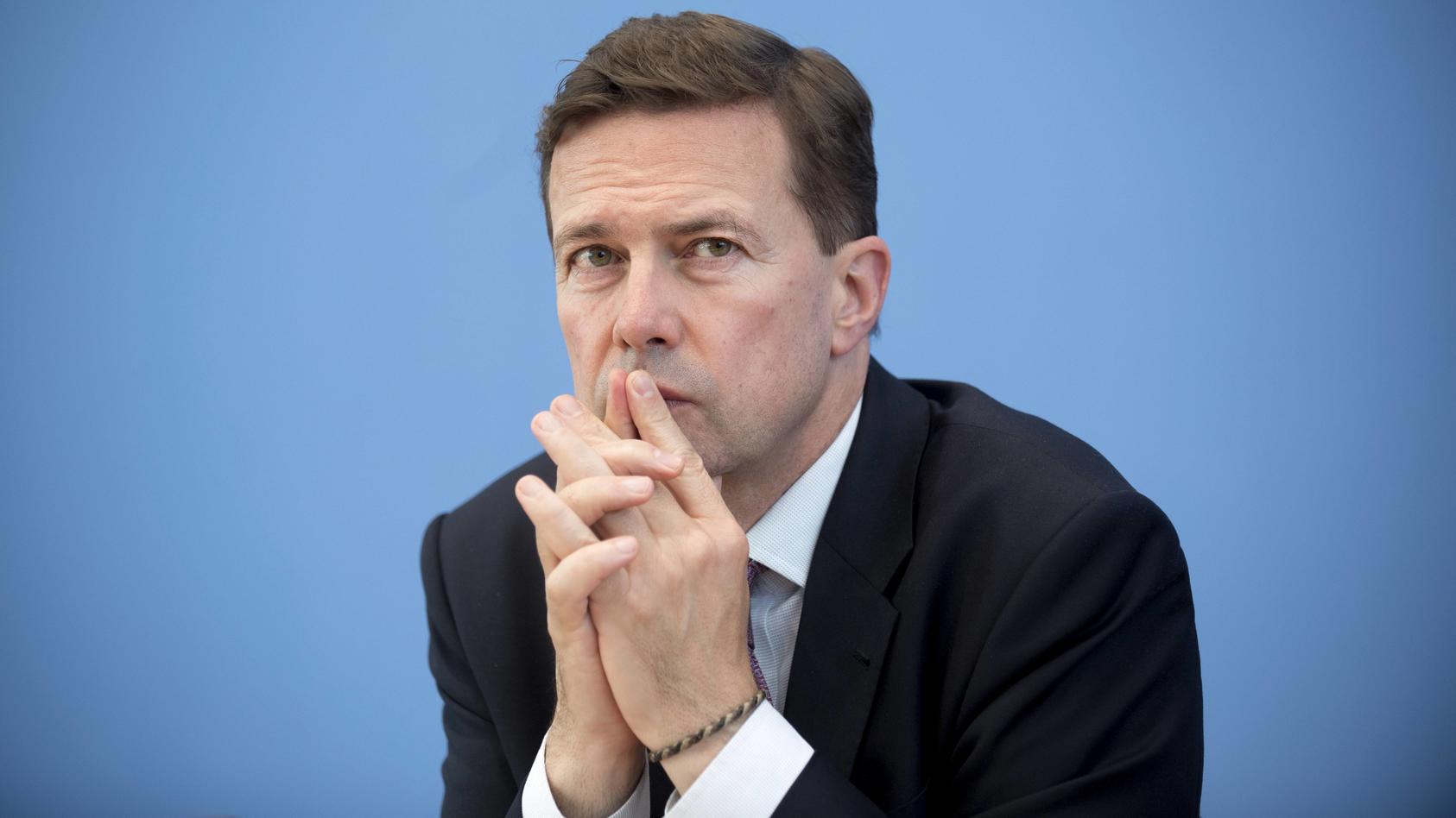 Der mutmaßliche Spion hat für Steffen Seibert gearbeitet