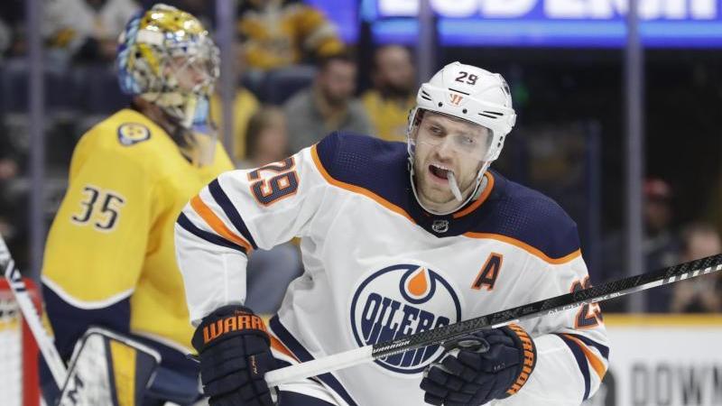 Leon Draisaitl von den Edmonton Oilers gehört zu den besten Spielern der NHL. Foto: Mark Humphrey/AP/dpa
