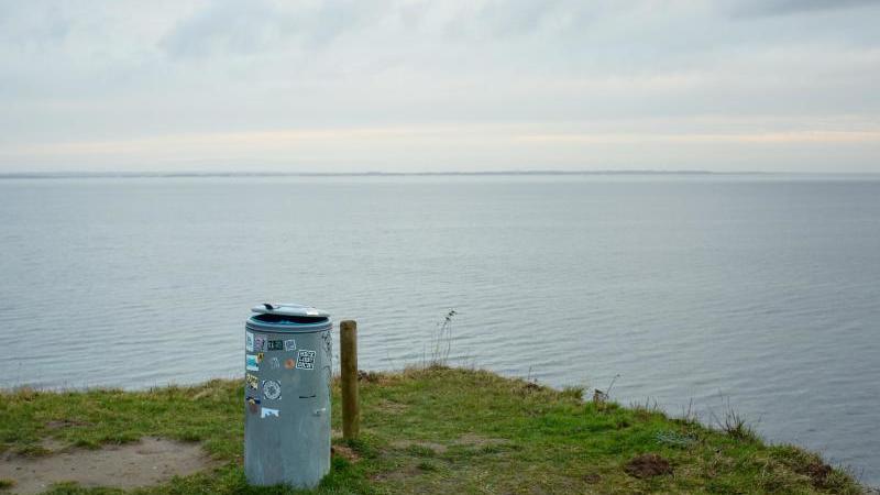 Die Ostseeküste an der Lübecker Bucht. Foto: Gregor Fischer/dpa/Symbolbild