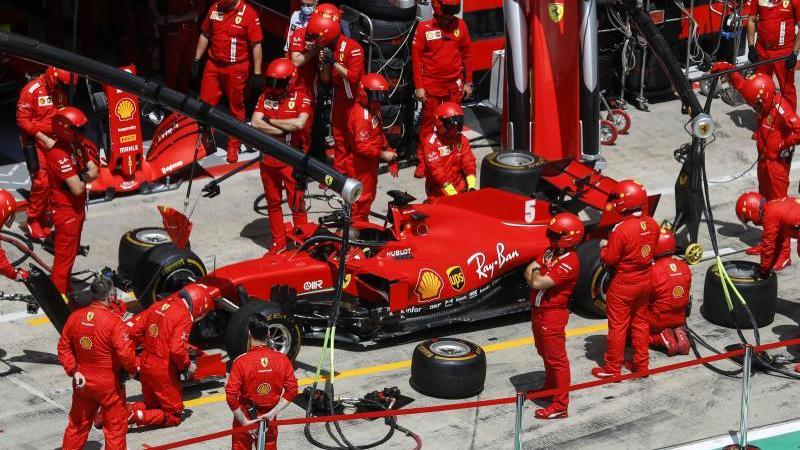 Sebastian Vettel und Ferrari erlebten beim zweiten Spielberg-Rennen einen rabenschwarzen Tag. Foto: Leonhard Foeger/Pool Reuters/AP/dpa
