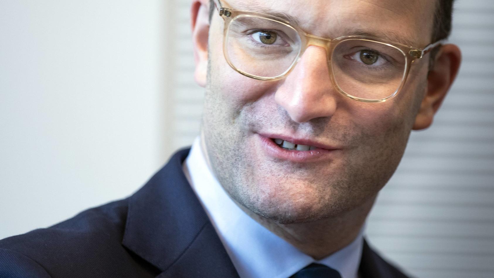 Bundesgesundheitsminister Jens Spahn, CDU, aufgenommen vor einer Fraktionssitzung im Bundestag in Berlin, 02.04.2019. B