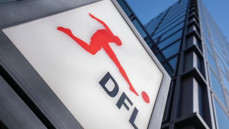 Die DFL hat allen 36 Profivereinen die Lizenz erteilt. Foto: Frank Rumpenhorst/dpa