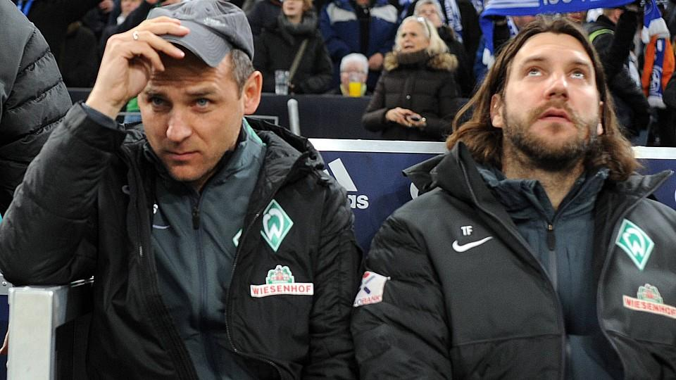 FC Schalke 04 - SV Werder Bremen 21.02.2015. Trainer Viktor Skripnik (Bremen/li.) und Co-Trainer Thorsten Frings. HMFC Schalke 04 SV Werder Bremen 21 02 2015 team manager Viktor Skripnik Bremen left and Co team manager Thorsten Frings HM