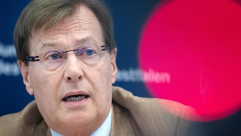 Peter Biesenbach (CDU), Justizminister von Nordrhein-Westfalen. Foto: Federico Gambarini/dpa/Archivbild