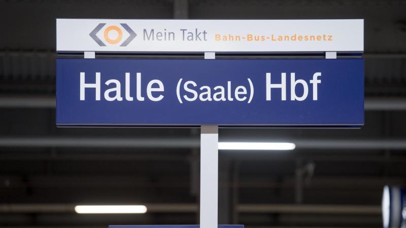 Blick in die Westhalle des Hauptbahnhofes. Foto: Hendrik Schmidt/dpa-Zentralbild/dpa/Archivbild