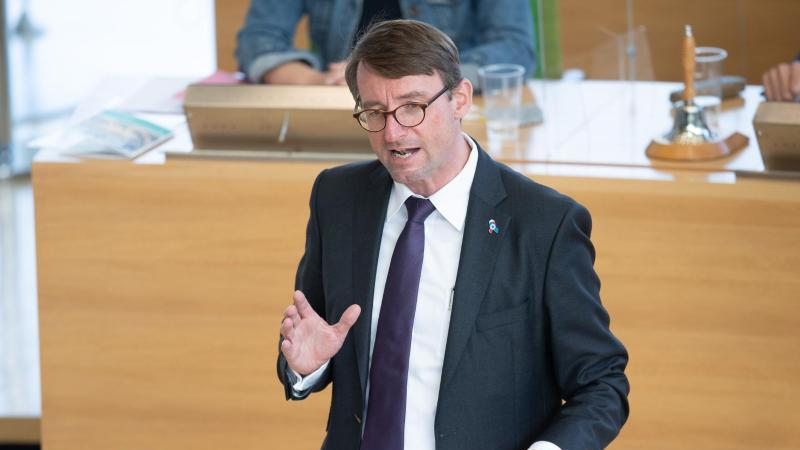 Roland Wöller (CDU), Innenminister von Sachsen. Foto: Sebastian Kahnert/dpa-Zentralbild/dpa
