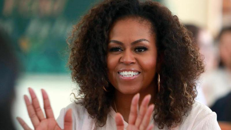 Michelle Obama startet einen Podcast. Foto: Hau Dinh/AP/dpa