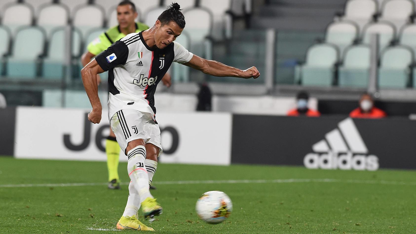 IPP20200627 Football - soccer: Serie A, Juventus Turin - US Lecce, cristiano ronaldo segna il gol del 2-0 su rigore (Ve
