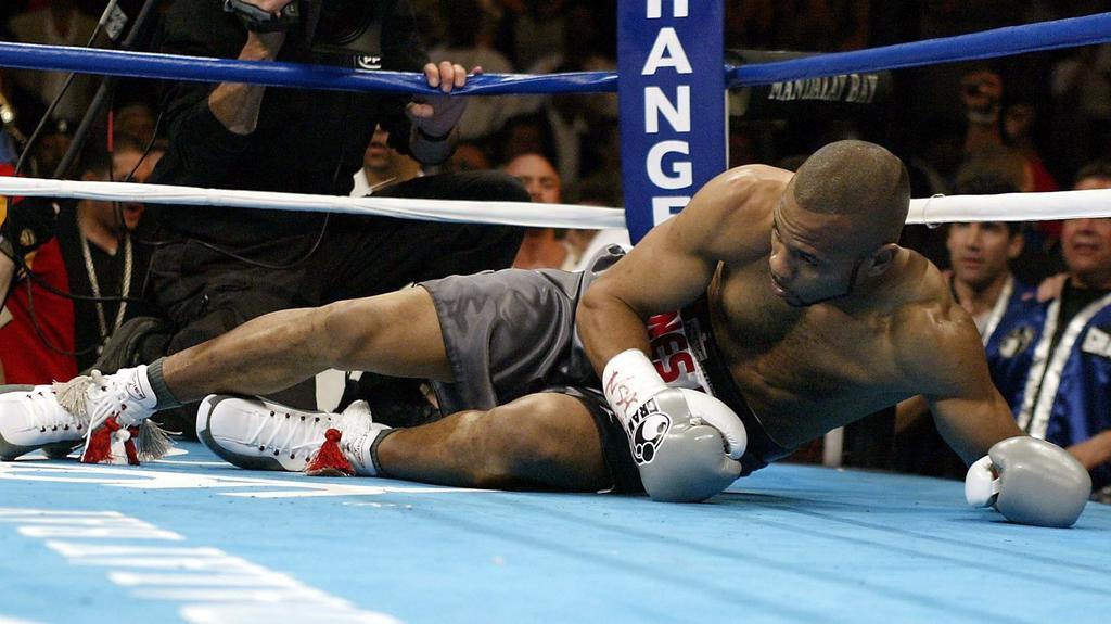 2004 ging Jones gegen Antonio Tarver k.o. und war nie mehr der Alte