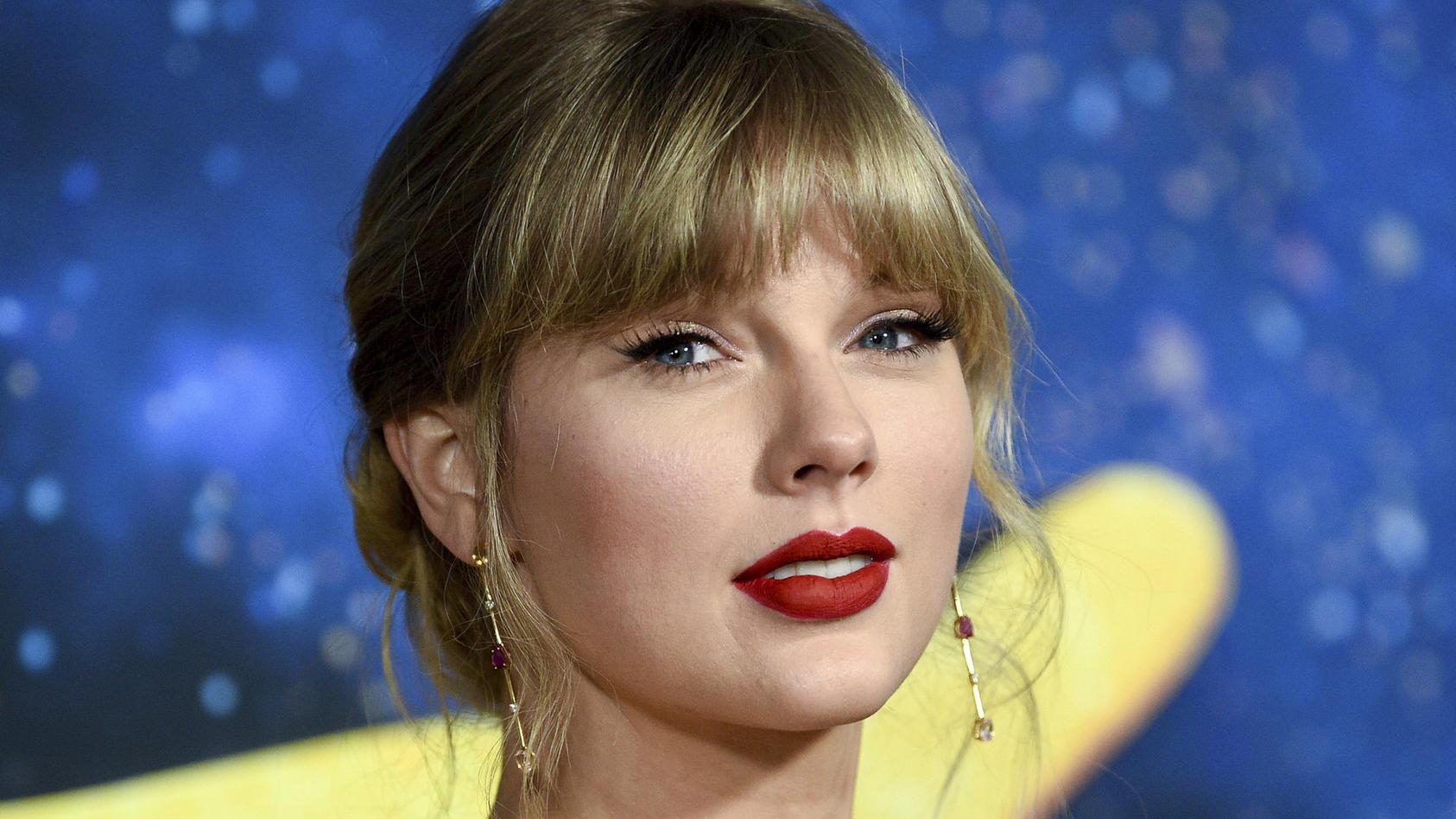 Taylor Swift: Verrät die Sängerin mit einem Song den Namen des Reynolds-Lively-Kindes?