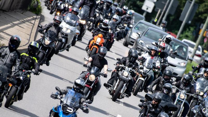 Motorradfahrer bei der Demonstration Anfang Juli in München. Foto: Matthias Balk/dpa/Archivbild