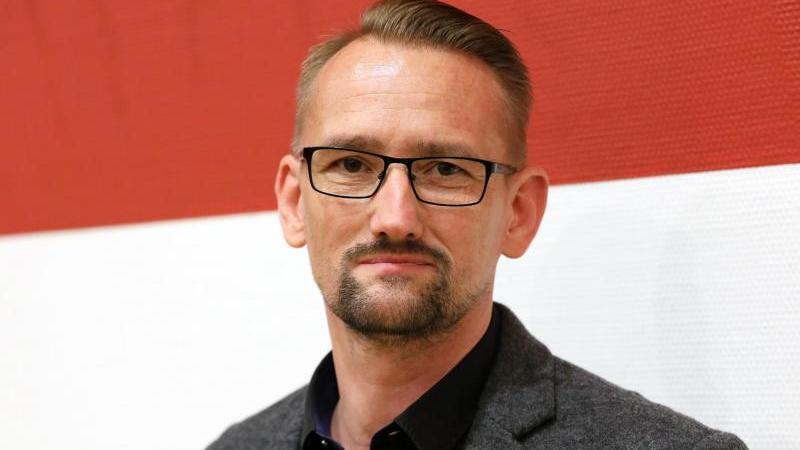 Der ehemalige AfD-Landesvorsitzende von Mecklenburg-Vorpommern, Dennis Augustin. Foto: Bernd Wüstneck/dpa-Zentralbild/dpa/Archivbild