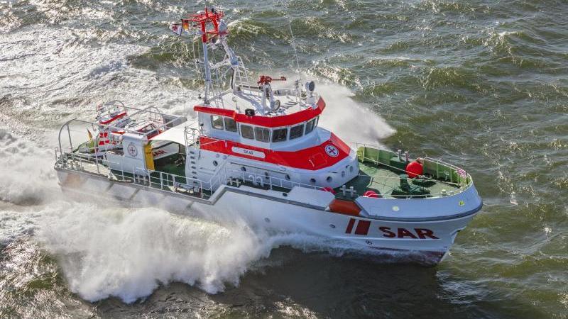"""Der neue deutsche Seenotrettungskreuzer für das Seegebiet Borkum ist am Dienstag auf den Namen """"Hamburg"""" getauft worden. Foto: Herman IJsseling/Flying Focus/DGzRS/dpa/Archivbild"""