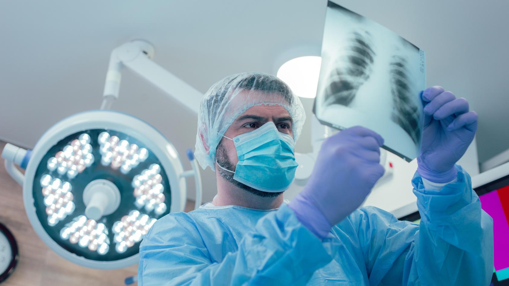 Ärzte sind besorgt: Heilen die Lungenschäden durch Covid-19 ab - oder bleiben sie?