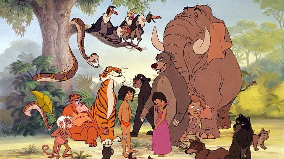 (v.l.) Kaa die Schlange, Affe King Louie, der Tiger Shir Khan, die Geier Buzzy, Dizzy, Ziggy und Flaps, Mogli, der Panther Baghira, Shanti, Balu der Bär, Junior der kleine Elefant und sein Vater Colonel Hathi und der Wolf Rama mit seiner Familie.