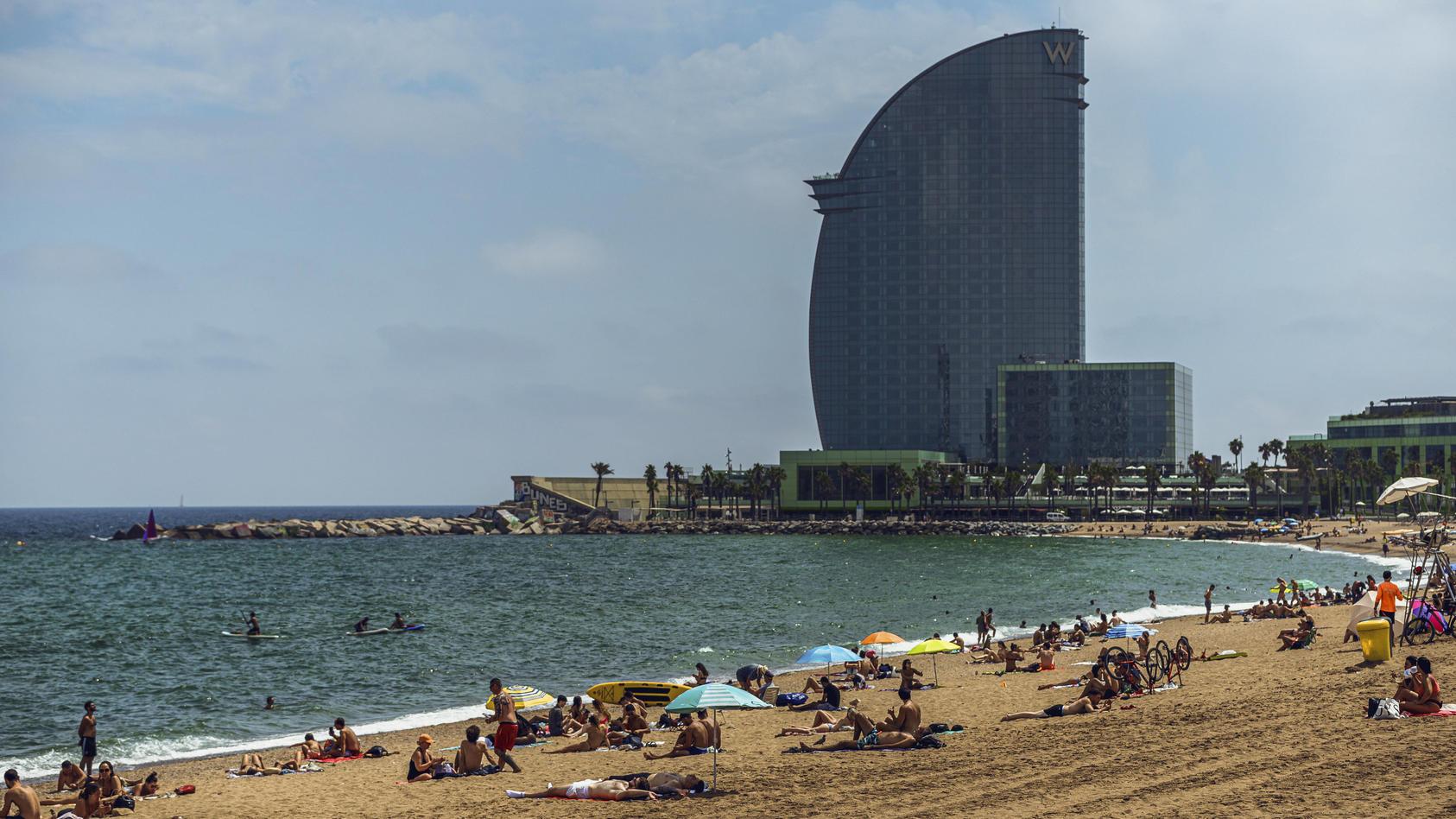 Auch wer in Barcelona Urlaub macht, muss bei Rückkehr mit einem Coronatest rechnen.