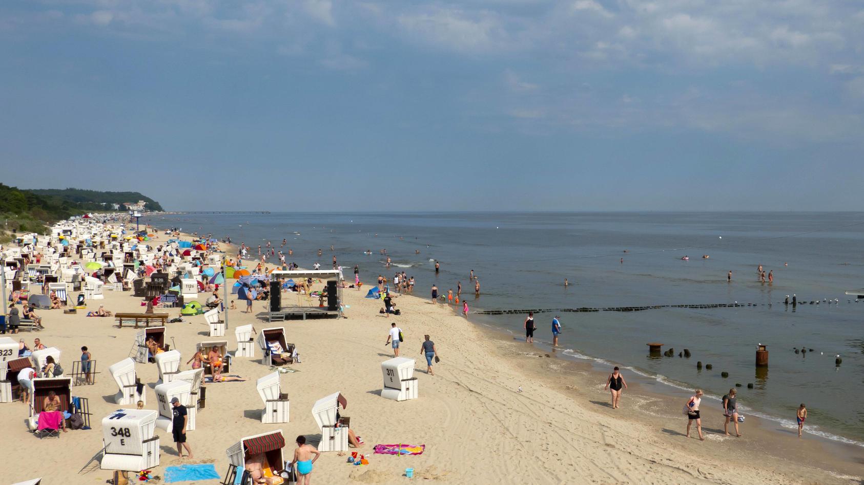 Hilft ein Tag am Strand unserem Körper bei der Bekämpfung des Coronavirus?