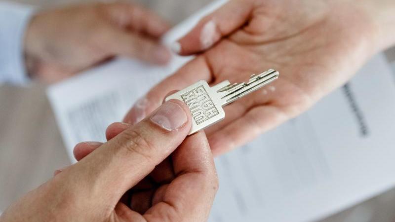 Mit der Miete eine Immobilie finanzieren - für manche kann das ein Weg zu Eigentum sein. Foto: Markus Scholz/dpa-tmn