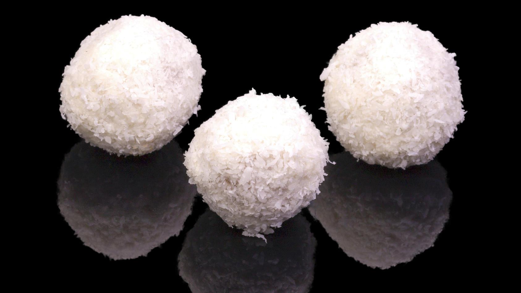 Raffaelo-Pralinen selbst gemacht - vegan und ohne Zucker.