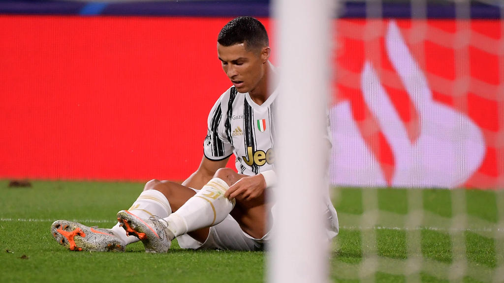 Sport Bilder des Tages Cristiano Ronaldo of Juventus looks dejected during the Champions League round of 16 second leg football match between Juventus FC and Lyon at Juventus stadium in Turin Italy, August 7th, 2020. Photo Federico Tardito / Insidefo