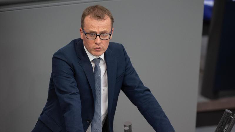 Alexander Krauß (CDU) spricht in der Plenarsitzung im Deutschen Bundestag. Foto: Christophe Gateau/dpa/Archivbild