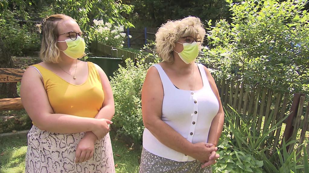 Jana Weller und ihre Tochter: Nach dem Kroatien-Urlaub habe sie sich testen lassen - noch immer gibt es kein Ergebnis.