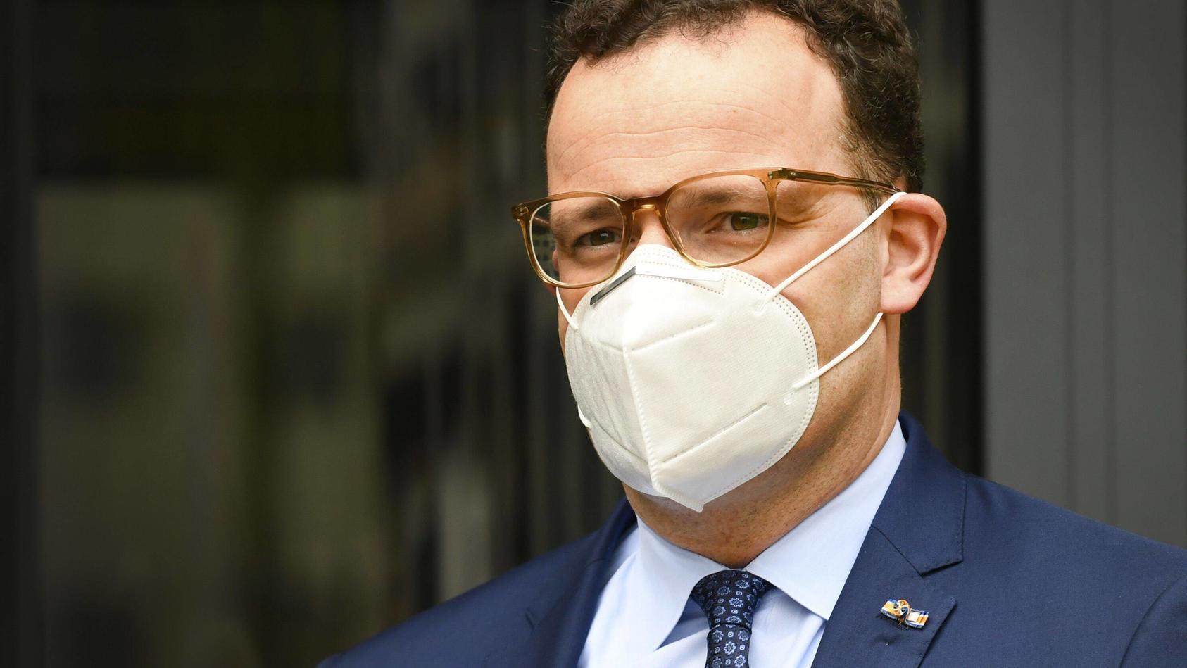 Jens Spahn will über 250 Millionen Mund-Nasen-Masken verschenken