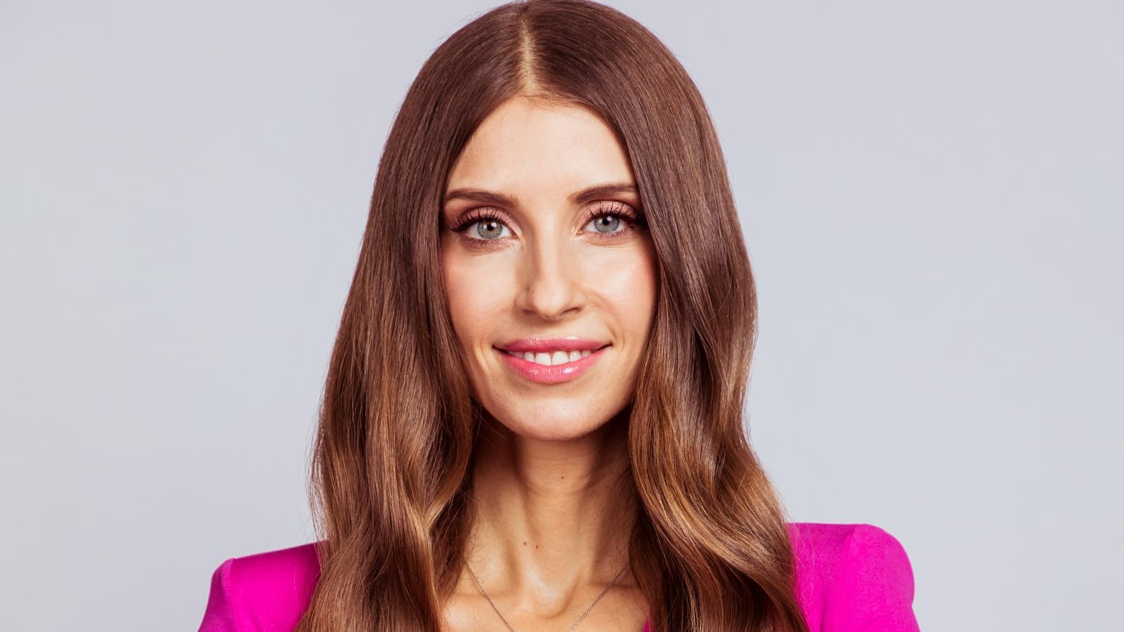 """""""Love Island""""-Moderatorin Jana Ina Zarrella wurde positiv auf Corona getestet. Cathy Hummels wird ihren Job übernehmen."""