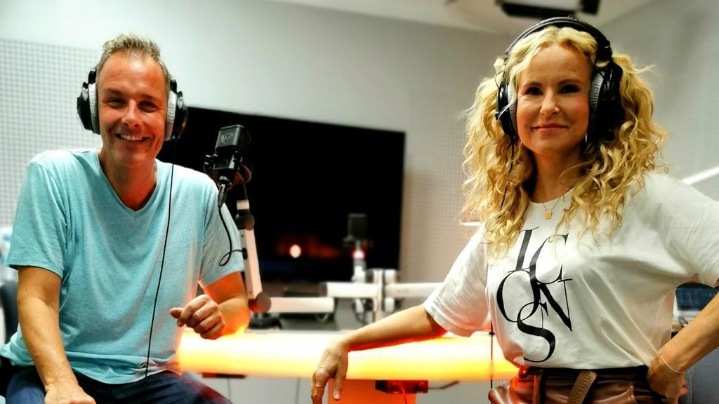 Katja Burkard und Thorsten Sleegers haben viel Spaß im RTL Reporter Podcast