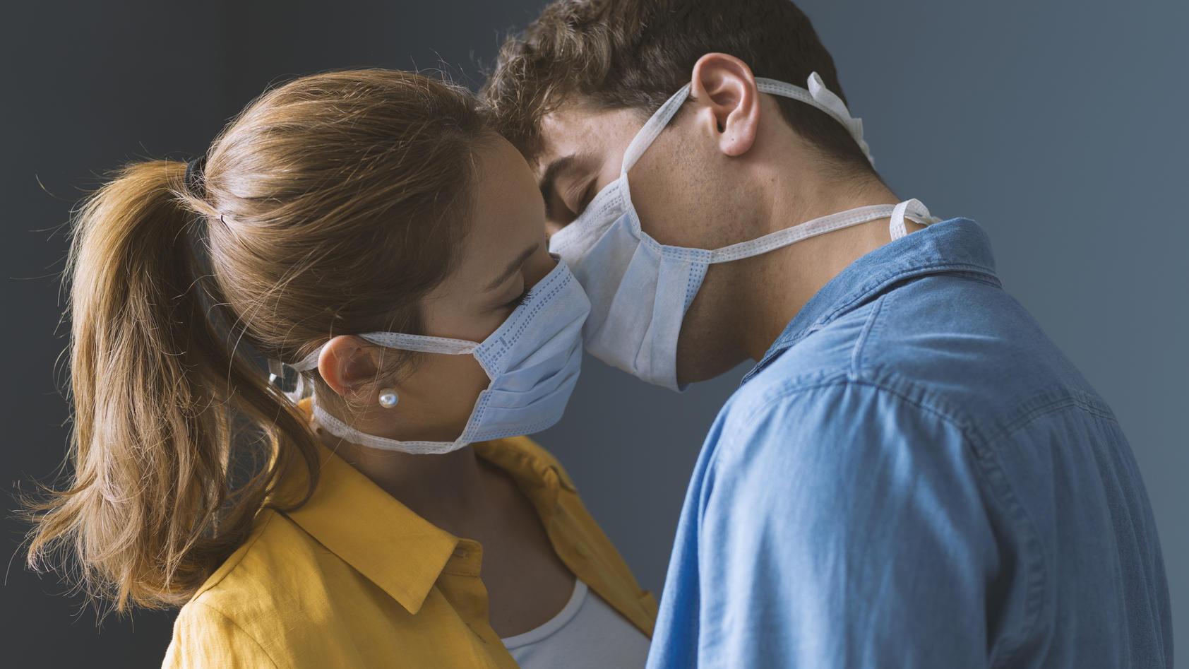 Haben wir Sex bald nur noch mit Mund-Nasen-Schutz?