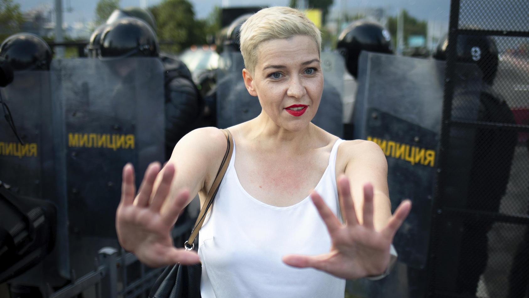 Die seit Montag verschwundene belarussische Oppositionspolitikerin Maria Kolesnikowa sowie zwei Mitarbeiter sollen das Land verlassen haben.