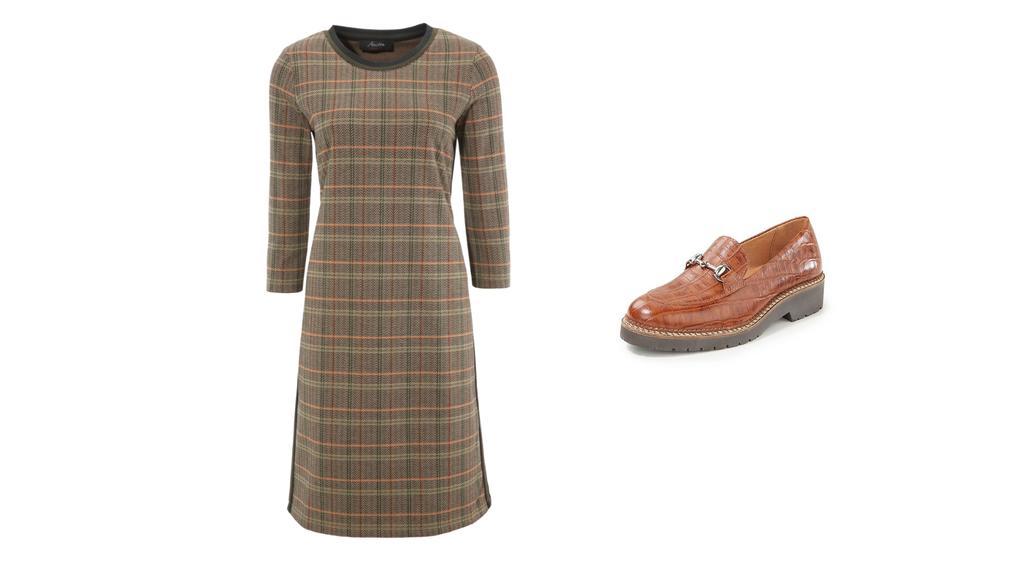 Kombination eines schicken Karo-Kleides zu Slippern.