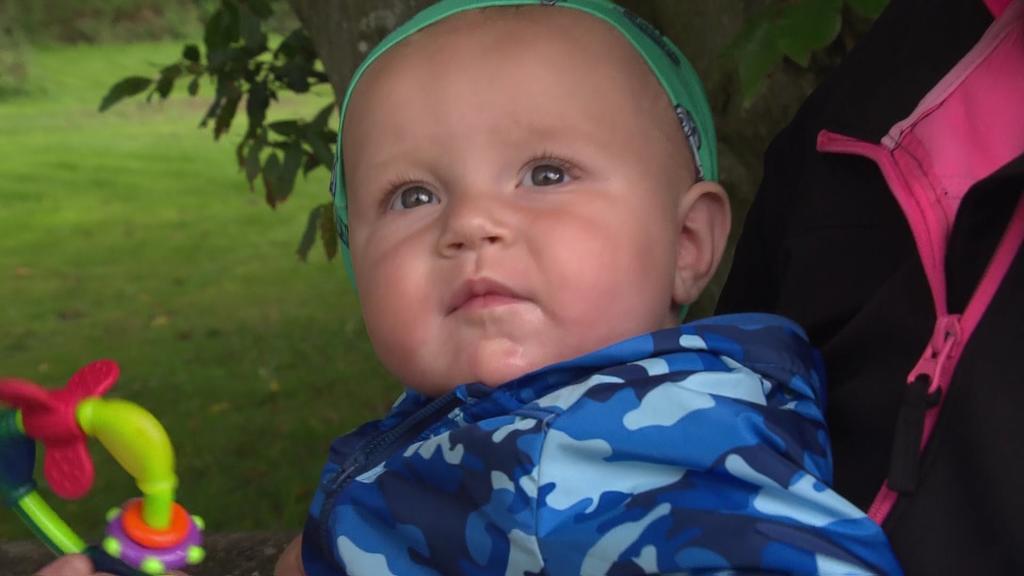 Leon im Alter von 8 Monaten. Mutter Bianca hat auch heute noch Kontakt zu den Mitarbeitern des Familienzentrums vom Sternipark.