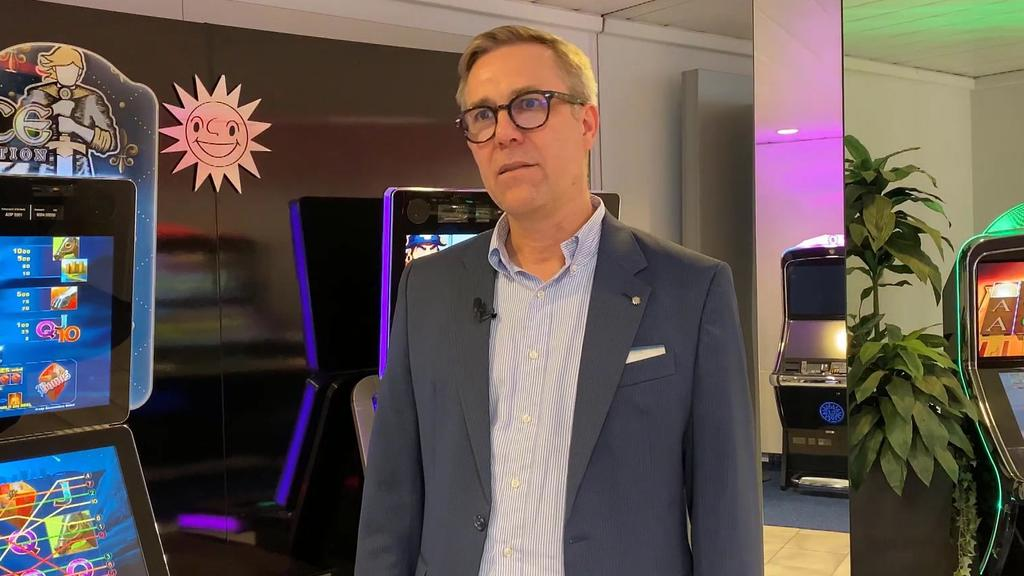 Mario Hoffmeister, Sprecher der Gauselmann AG, bedauert den unfassbaren Vorfall vor dem Merkur-Casino in Trier